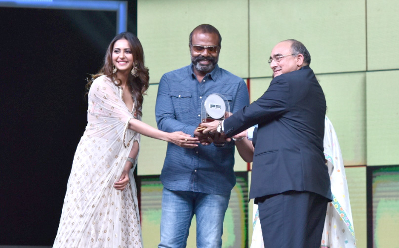 Chemban Vinod being presented the Best Actor (Male) award for the movie 'Ee Maa Yau', at the closing ceremony of the 49th International Film Festival of India (IFFI-2018), in Panaji, Goa on November 28, 2018.
