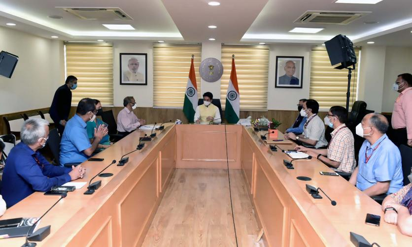 HMIB taking meeting with Senior Officers