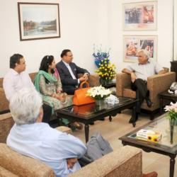 The Board Members of News Broadcasters Association (NBA) meeting the Secretary, Ministry of Information and Broadcasting, Shri Sunil Arora, in New Delhi